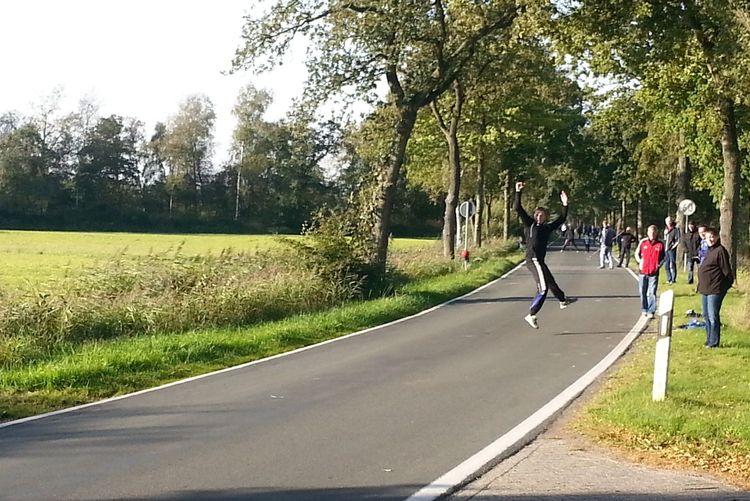 Boßeln - in Ostfriesland eine überaus beliebte Sportart