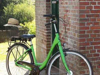 Fahrrad an der Schleuse Friedeburg-Hesel